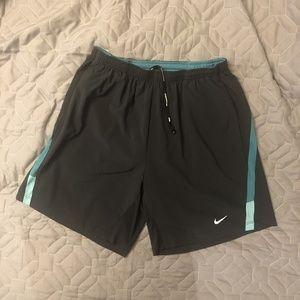 NEW Nike Men's 7 inch Distance Shorts Medium Black